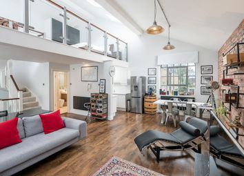 Thumbnail 1 bed flat to rent in Hanover Place, London