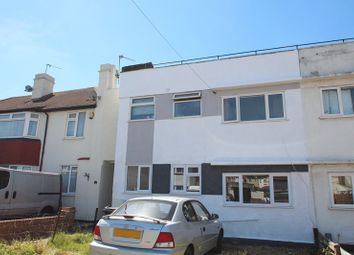 Thumbnail 2 bedroom maisonette for sale in Holmleigh Avenue, Dartford