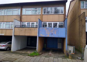 Thumbnail 2 bed town house for sale in Penryn Avenue, Fishermead, Milton Keynes