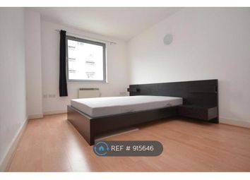 2 bed flat to rent in Deals Gateway, London SE13