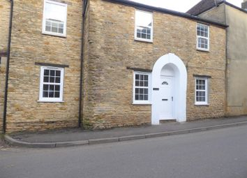 2 bed flat to rent in North Street, Wincanton BA9