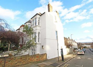 Thumbnail 2 bed flat to rent in Woodside, London