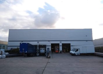 Thumbnail Industrial to let in Unit 200 Focal Point, Fleming Way, Crawley