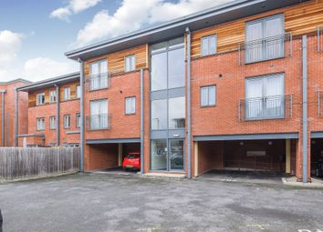 2 bed flat for sale in Crossley Road, Worcester WR5