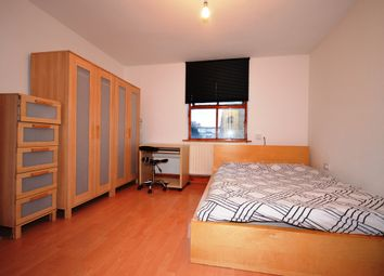1 bed property to rent in Summercourt Road, London E1