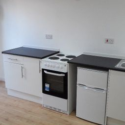 Thumbnail Studio to rent in Southgate, London