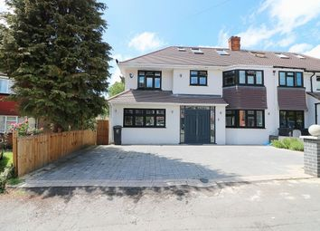 Thumbnail 6 bed property for sale in Oak Lodge Avenue, Chigwell