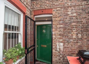 Thumbnail 1 bed flat to rent in Walworth Road, Walworth, London