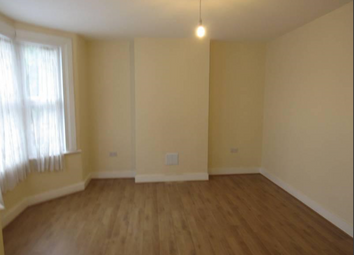 Thumbnail Room to rent in Arnold Road, London