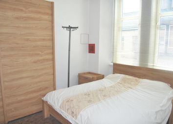 Thumbnail 2 bedroom flat to rent in Avon Street, Hamilton