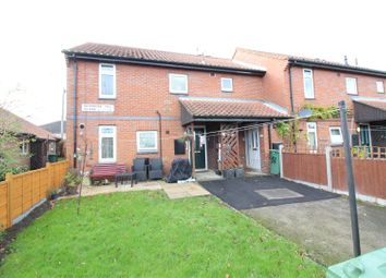 Thumbnail 2 bed flat for sale in Primrose Hill Close, Swillington, Leeds