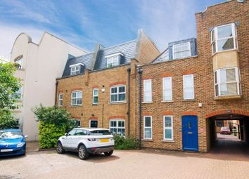 Thumbnail 2 bed flat to rent in Two Bedroom Flat, Acton Lane, London
