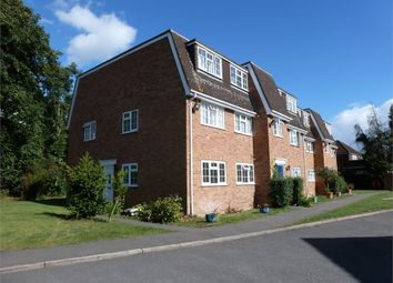 Thumbnail 2 bed flat to rent in Shelton Court, Langley, Berkshire