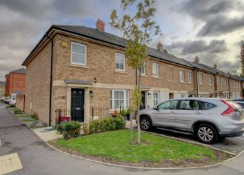 3 bed end terrace house for sale in Rainbow Road, Erith DA8