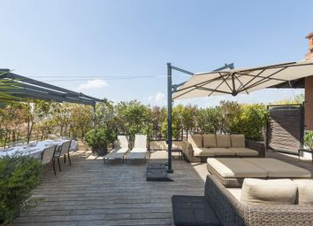 Thumbnail 4 bed apartment for sale in Rome, Italy