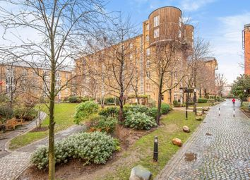 Fairfield Road, London E3. 1 bed flat for sale