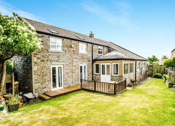 Thumbnail 5 bed detached house for sale in Farmhouse Court, Crosland Hill, Huddersfield