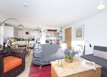 Thumbnail 2 bed flat to rent in Northwold Road, Clapton