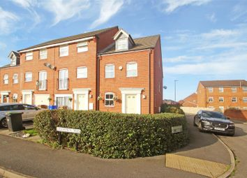 3 bed town house for sale in Moorhen Way, Packmoor, Stoke-On-Trent ST7