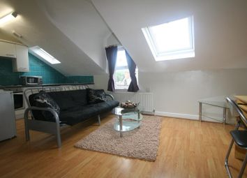 Thumbnail 1 bed flat to rent in Flat 6, 3 Moor View, Hyde Park