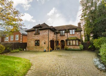 Thumbnail 4 bedroom property for sale in Beech Hill, Hadley Wood
