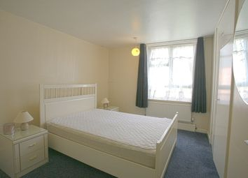 Thumbnail 1 bed flat to rent in Falcon Grove, Battersea, London