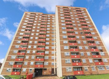2 bed flat for sale in Green Close, Luton LU4
