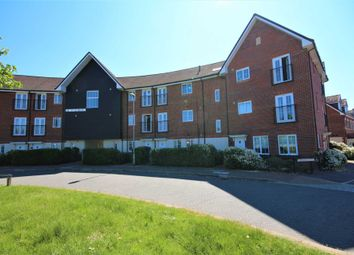 Thumbnail 2 bed flat for sale in Fulmar Crescent, Bracknell