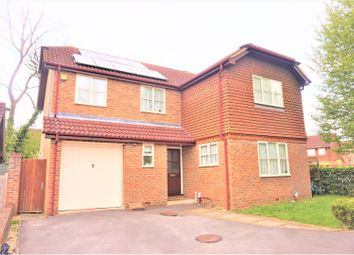 Thumbnail 4 bed detached house to rent in Bergenia Court, Woking