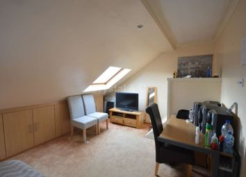 Room to rent in Gledwood Drive, Hayes UB4