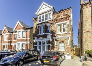 3 bed flat to rent in Denbigh Road, London W13