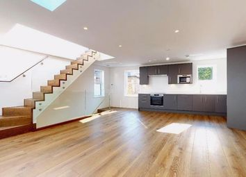 Stanton Road, London SW13. 2 bed property