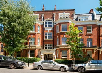 Cannon Hill, West Hampstead, London NW6. 4 bed flat for sale