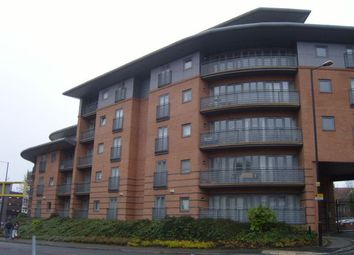 2 bed flat to rent in Manor House Drive, Coventry CV1