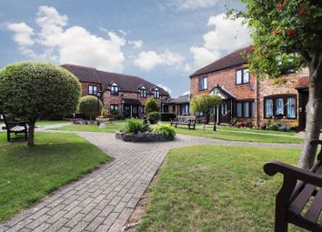 1 bed flat for sale in Orchard Mead, Leigh-On-Sea SS9