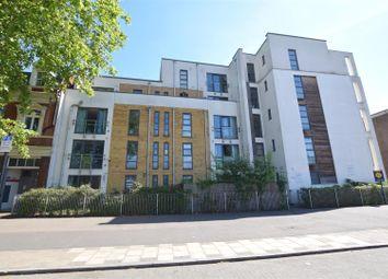 Romford Road, London E15. 2 bed flat
