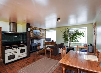 Thumbnail 5 bedroom terraced house for sale in Newland, Witney