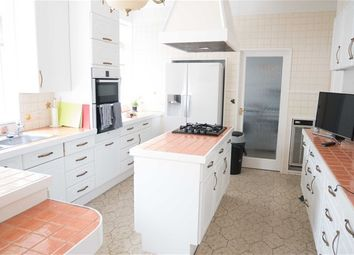Thumbnail 6 bed property to rent in Gunnersbury Avenue, London