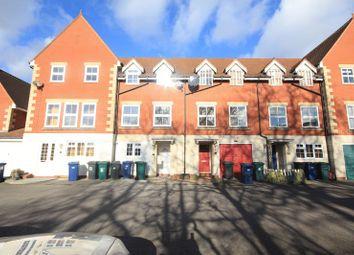 Room to rent in Bernhart Close, Burnt Oak, Edgware HA8