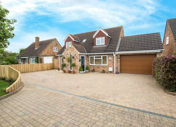 Thumbnail 4 bedroom detached house for sale in Weir Close, Hemingford Grey, Cambridgeshire
