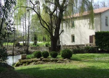 Thumbnail 5 bed property for sale in Sauveterre De Guyenne, Gironde, France