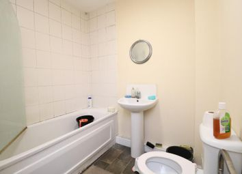 Thumbnail 2 bed flat to rent in Admiral Street, Leeds, West Yorkshire