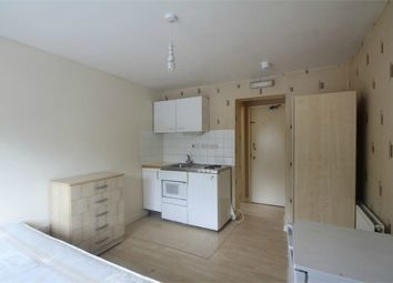 Thumbnail Studio to rent in Cromwell Street, Hounslow, Greater London