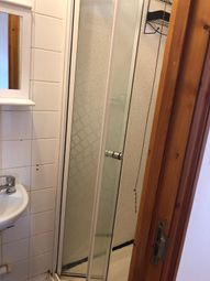 Thumbnail 2 bed flat to rent in 4, London