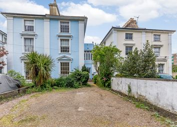 Thumbnail 5 bed town house for sale in Clarence Place, Gravesend