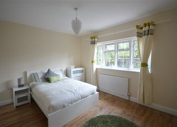 Thumbnail Room to rent in Old Oak Road, Shepherds Bush