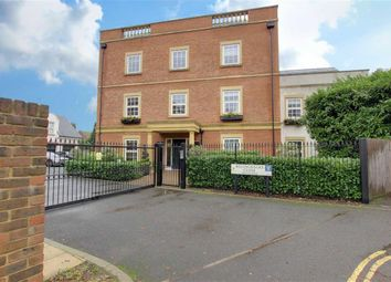 Thumbnail 3 bedroom flat to rent in Games Road, Hadley Wood, Hertfordshire