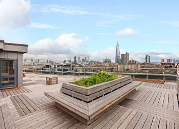 Thumbnail 2 bed flat to rent in Borough Road, London