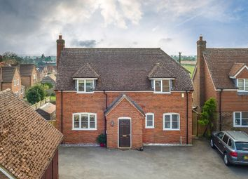 Thumbnail 3 bedroom detached house for sale in Chapel Court, Beedon