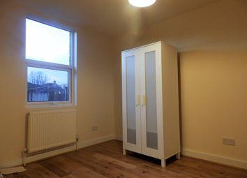 Thumbnail 2 bed flat to rent in Knights Hill, West Norwood, London